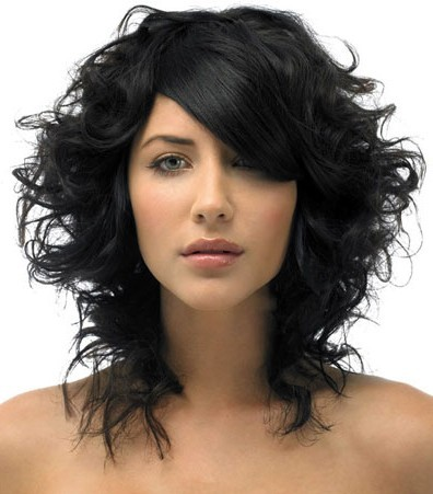 medium hairstyles for round faces,medium haircuts for round faces